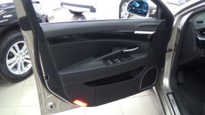 Emgrand GT обивка передней двери