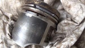 ГАЗ 3110 1999 г.в. поршень со сколом _