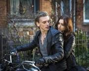 THE-MORTAL-INSTRUMENTS-CITY-OF-BONES-Image